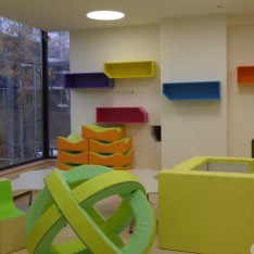 Одна из комнат только открытого детского сада P'tit CREF