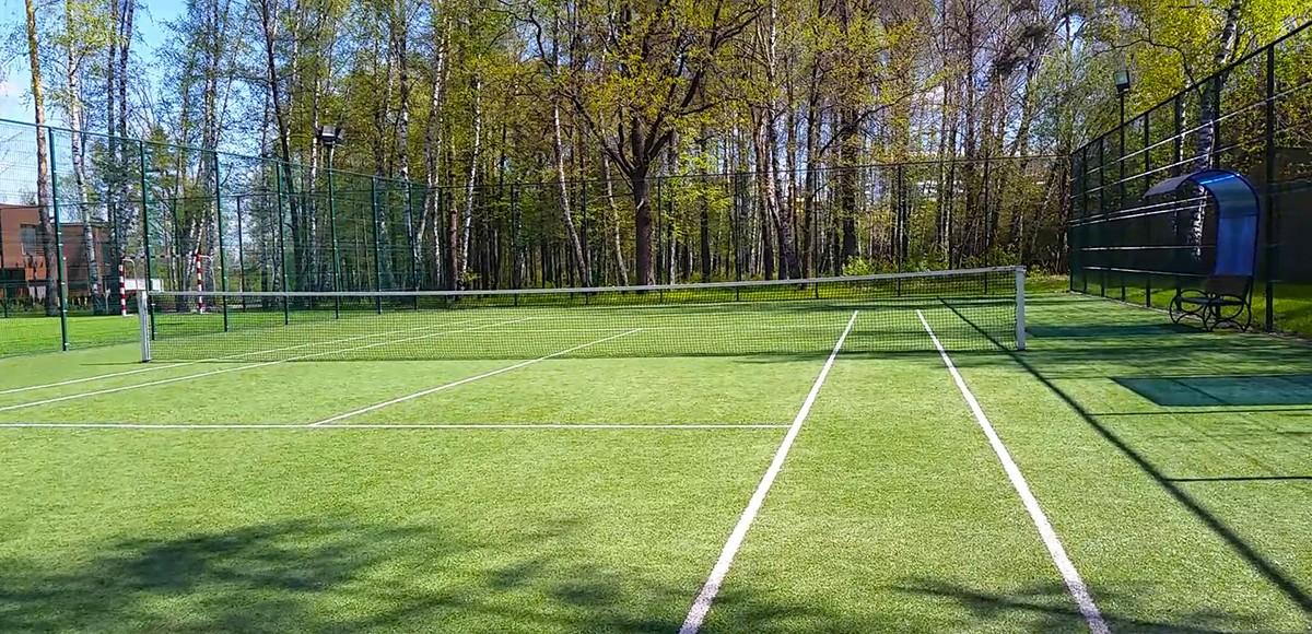 Теннисный корт в Резиденции Рублево