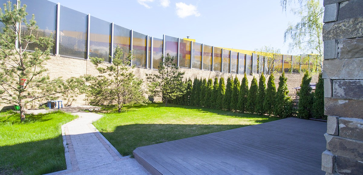 Задний дворик таунхауса 1А в Резиденции Рублево, вид 1