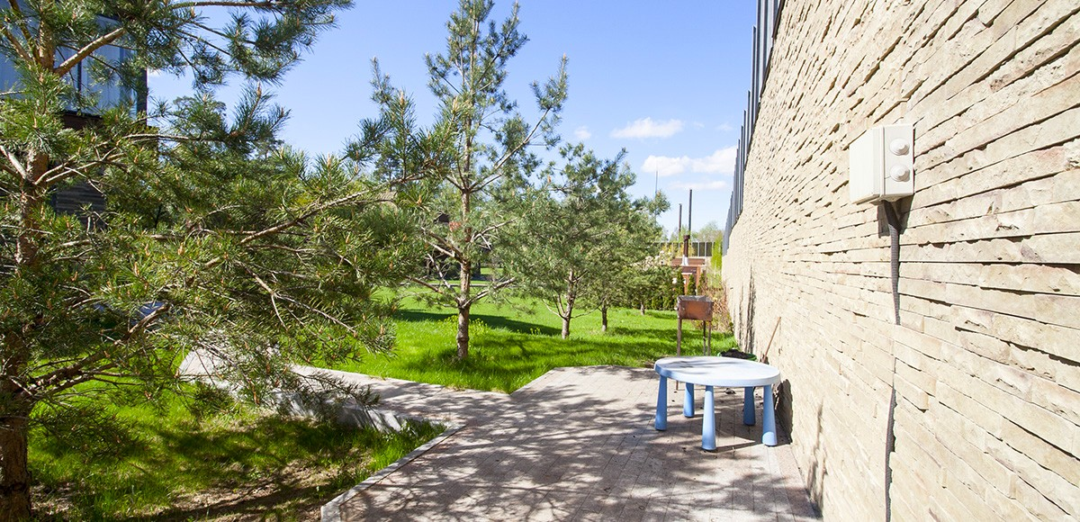 Задний дворик таунхауса 1А в Резиденции Рублево, вид 3