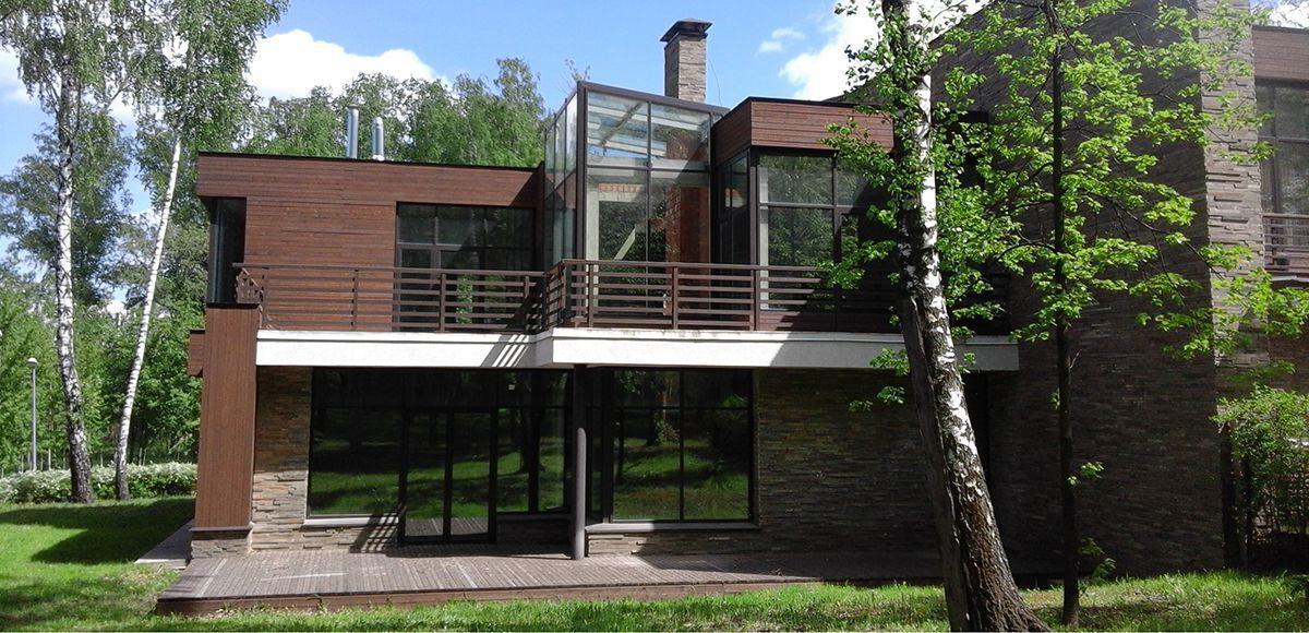 Дома с большими деревьями на участке, КП Резиденция Рублево