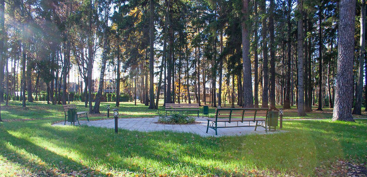 Зона отдыха в КП «Резиденция Рублево»,осень 2016