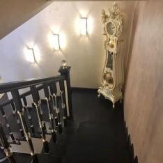 Лестница на 2 этаж, таунхаус 1А, Резиденция Рублево